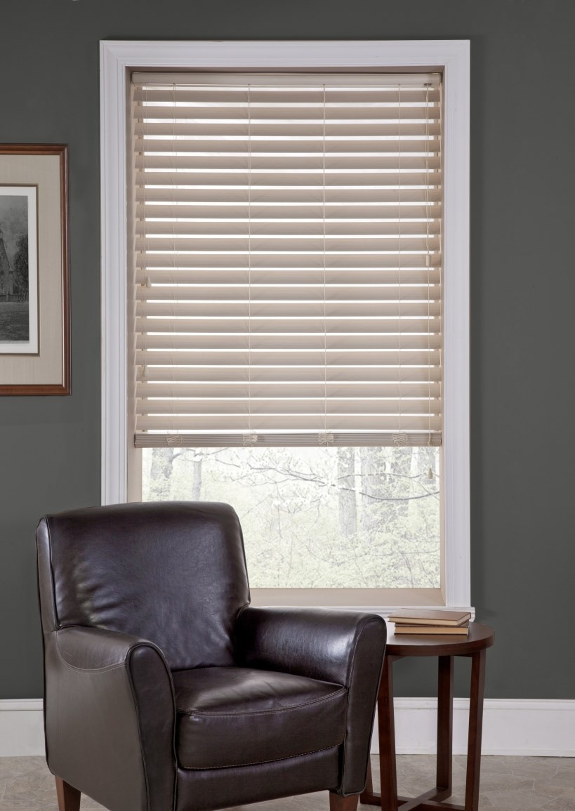 "2.5"" faux wood blind 